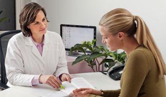 Viele Menschen nehmen kostenlose Vorsorgeuntersuchungen nicht wahr - obwohl sich damit ernsthafte Erkrankungen früh erkennen lassen. (Foto)