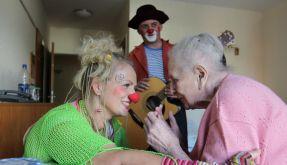 Viele Senioren haben in deutschen Altenheimen nicht viel zu lachen. (Foto)
