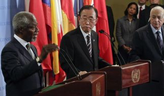 Viele Worte, keine Taten: UN-Generalsekretär Ban Ki Moon (rechts) und Sondervermittler Kofi Annan kommen im Syrien-Konflikt nicht weiter. (Foto)