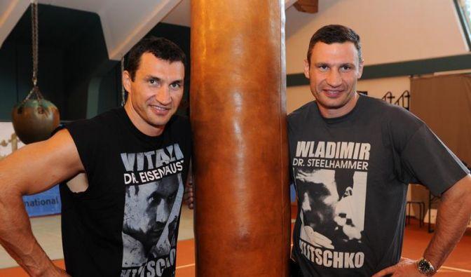 Vitali-Kampf perfekt: Beide Klitschkos boxen 2011 (Foto)