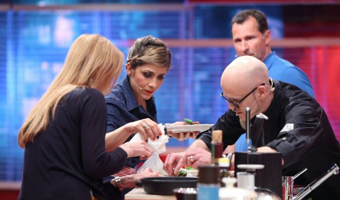 V.l.: Esther Schweins, Panagiota Petridou, Lars Riedel, Koch-Coach Ralf Zacherl. (Foto)