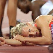 Völlig ausgepumpt nach dem abschließenden 800-Meter-lauf: Lilli Schwarzkopf nach dem Wettkampf ihres Lebens.