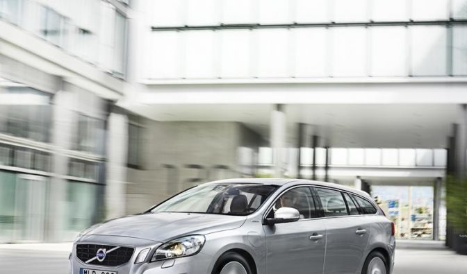 Volvo V60: Plug-in-Hybrid ab 56 900 Euro (Foto)