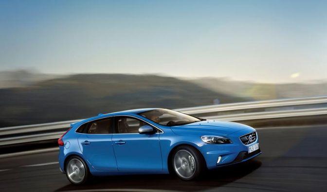 Volvo V40 R-Design: Kompaktwagen im sportiven Dress (Foto)