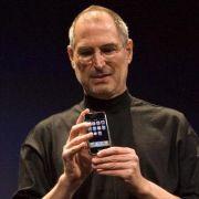Vor einem Jahr verstarb Steve Jobs. Apple muss nun seine Stärke ohne den iGuru beweisen.