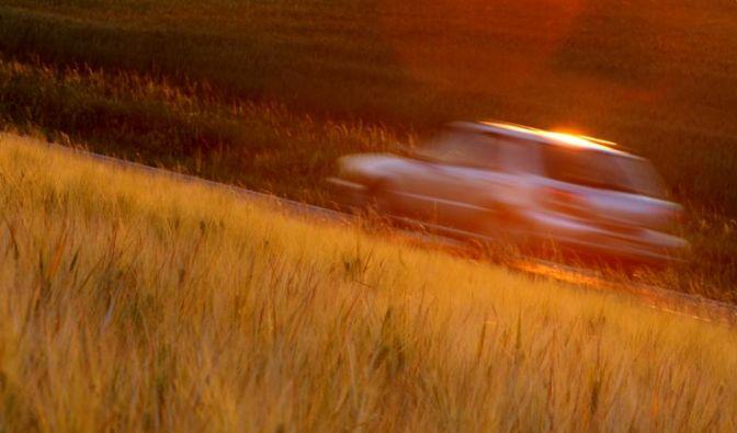 Vor Sonnenbrand im Auto schützen (Foto)