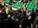 Vorfälle im Fußball: Bis hin zu Morddrohungen (Foto)