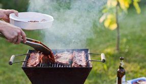 Vorsicht beim Grillen (Foto)