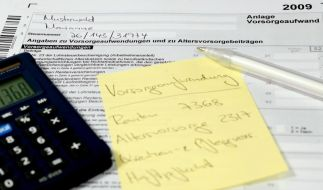Vorsorgeaufwendungen von der Steuer absetzen (Foto)