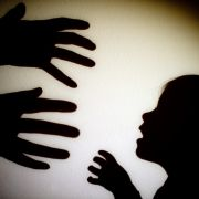 Horror-Kita! Kinder gefesselt, eingesperrt, geschlagen (Foto)