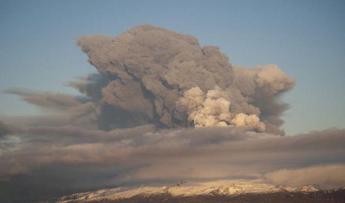 Vulkanasche nimmt Europa in die Zange (Foto)