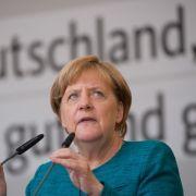"""Wahlkampfauftritte der Kanzlerin werden genutzt, um Stimmung gegen """"die da oben"""" zu machen. (Foto)"""