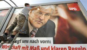 Wahlvorbreitung: Steinmeier groß am Straßenrand. (Foto)