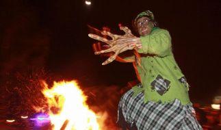 Walpurgis im Harz: Discoklänge und Hexenkostüme (Foto)