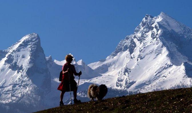 Wanderer müssen noch mit Schnee rechnen - Hütten offen (Foto)