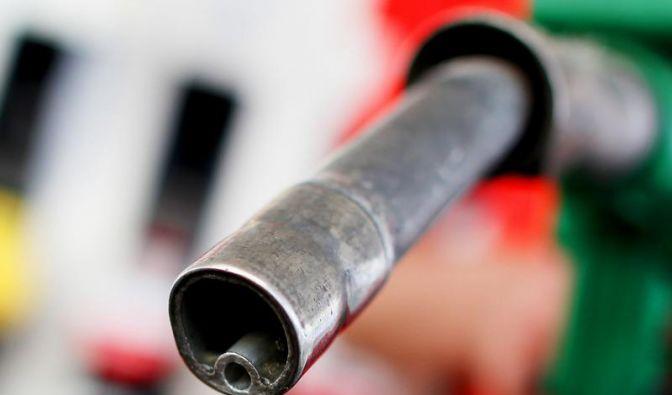 Warum verbrauchen Diesel weniger Sprit als Benziner? (Foto)