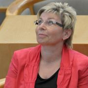 Was haben meine Abgeordneten nur wieder an? Landtagspräsidentin Carina Gödecke ist besorgt um den Dresscode.