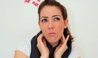 Was bei leichten Halsschmerzen hilft (Foto)