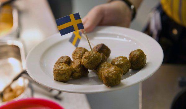 Was ist drin in einem der berühmten Kötbullar bei Ikea? (Foto)