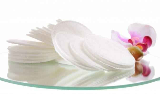 Wattepads wie diese werden von vielen Frauen zum Abschminken genutzt. (Foto)