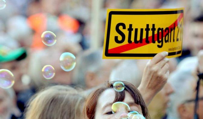 Weg frei für Volksabstimmung zu Stuttgart 21 (Foto)