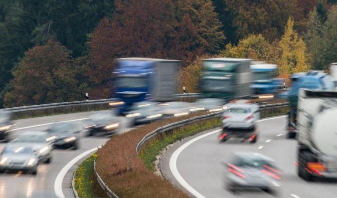 Wegen der Herbstferien werden einige Autobahnen in Deutschland am Wochenende stark befahren sein. (Foto)