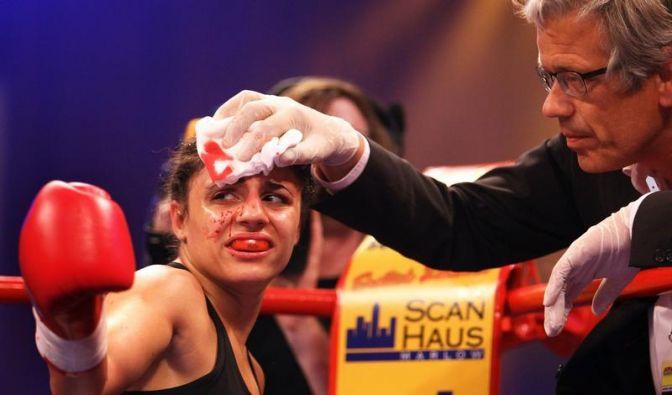 Wegen Verletzung: Kentikian bleibt Weltmeisterin (Foto)