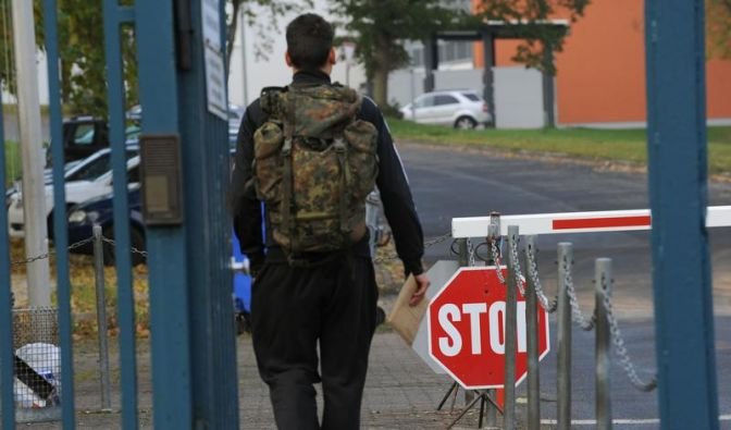 Wehrbeauftragter enttäuscht von Bundeswehrreform (Foto)