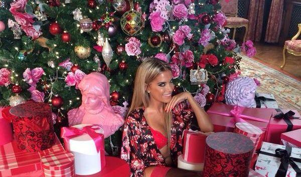 sexy unterm weihnachtsbaum bei sylvie meis l uten schon die glocken. Black Bedroom Furniture Sets. Home Design Ideas