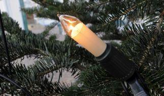 Weihnachtsbaum: Plastikkerzen statt Wachs (Foto)