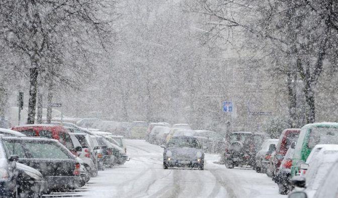 Weiße Flocken überall: Tipps fürs Fahren im Schnee (Foto)