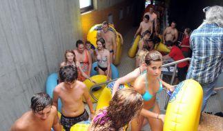 Weltrekordversuch im Wasserrutschen (Foto)