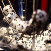 Wen trifft das Unglück diesmal? Lottogewinne enden häufig tragisch.