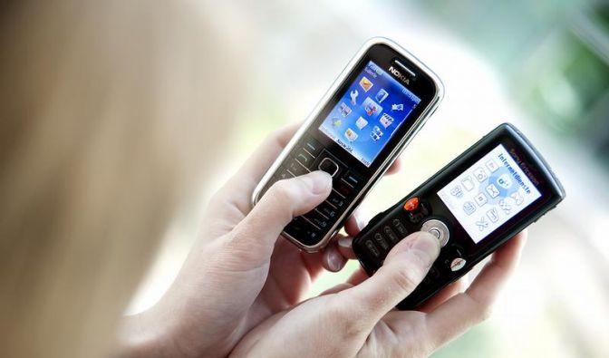 Weniger Funktionen, mehr Laufzeit: Lohnen Multimedia-Handys? (Foto)
