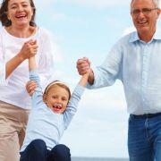Wenn der Versicherungsschutz stimmt, können Senioren den neuen Lebensabschnitt genießen.