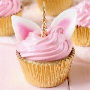 Wer bekommt beim Anblick der Einhorn-Cupcakes nicht auch Appetit? (Foto)