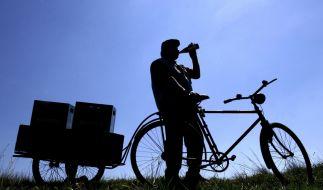 Wer trinkt, sollte das Rad stehen lassen, denn künftig soll es schon ab 1,1 Promille Bußgeldstrafen geben. (Foto)