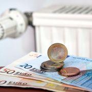 Wer ein paar einfache Tricks beim Heizen und Lüften beherzigt, kann eine Menge Geld einsparen.