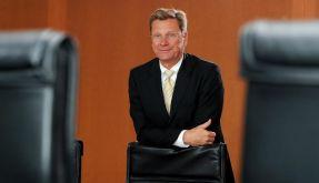 Westerwelle lenkt ein und darf Außenminister bleiben (Foto)