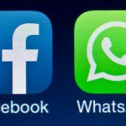WhatsApp übermittelt künftig Nutzer-Daten an Facebook. (Foto)