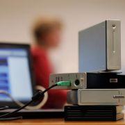 Wichtige Daten sollten in regelmäßigen Abständen auf externen Festplatten oder in Online-Speichern gesichert werden.