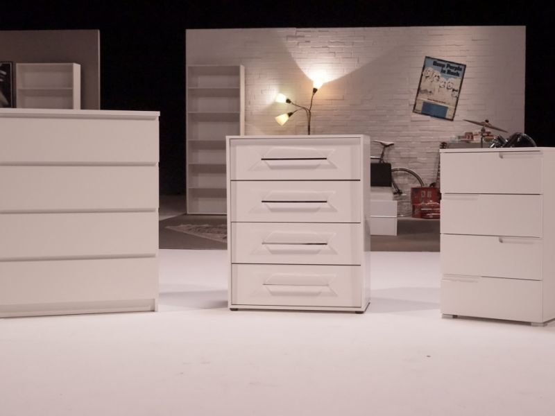 zdfzeit in der mediathek m bel test als zdf wiederholung so gut sind ikea roller und co. Black Bedroom Furniture Sets. Home Design Ideas