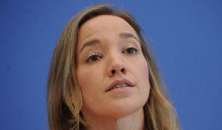 Will die Rechte homosexueller Paare stärken: Kristina Schröder. (Foto)