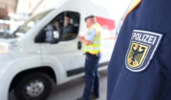 Wird das Schengener Abkommen außer Kraft gesetzt, könnte das für Deutschland richtig teuer werden. (Foto)