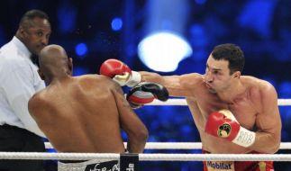 Wladimir Klitschko zeigte in seinem 61. WM-Kampf, wer der Chef im Ring ist. Sein Kontrahent Tony Thompson ging in der sechsten Runde zu Boden. (Foto)