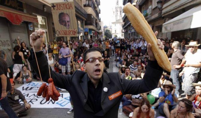 Wütende Demonstranten in Valencia (Foto)