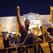 Wut und Protest in Athen: Demonstration vor dem Merkel-Besuch in der griechischen Hauptstadt.