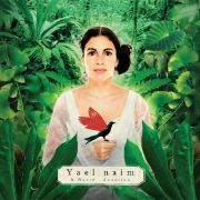 Yael Naim verbindet Wohlklang mit raffinierten Rhythmen.