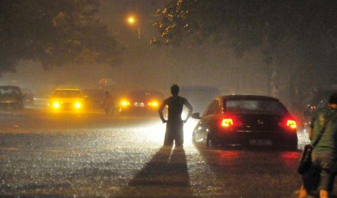 Zehn Tote bei Rekord-Regenfällen in Peking (Foto)