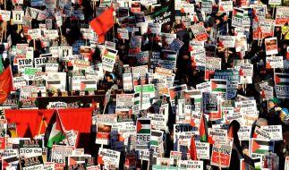 Zehntausende protestieren gegen Gaza-Offensive (Foto)